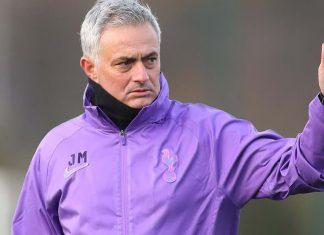 Жозе Моуринью уволен с поста главного тренера Тоттенхэм Хотспур